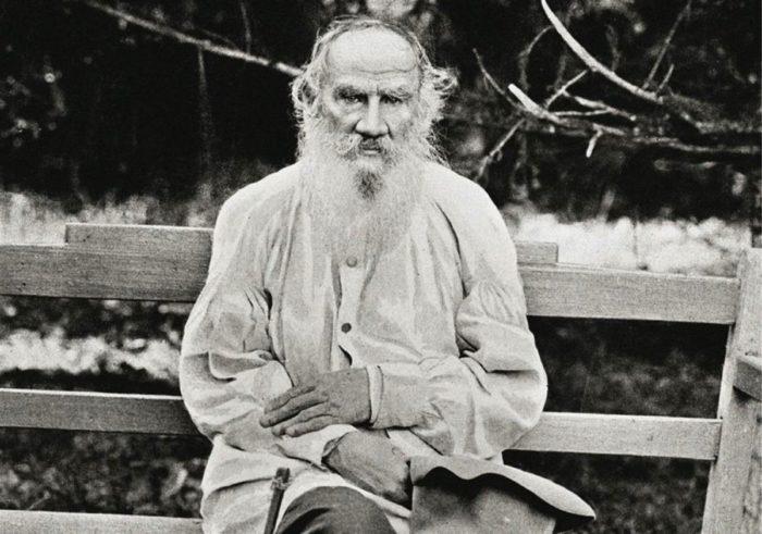 Лев Толстой и комическая традиция в русской литературе серебряного века